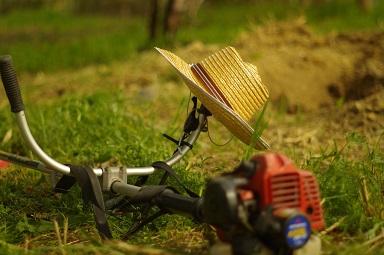 草刈り機(刈払機)のエンジンが始動しないから部品交換してみた